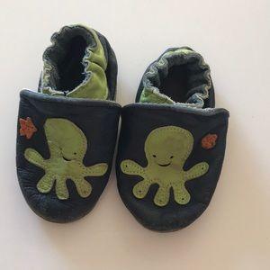 Robeez 12-18 months octopus super cute booties!